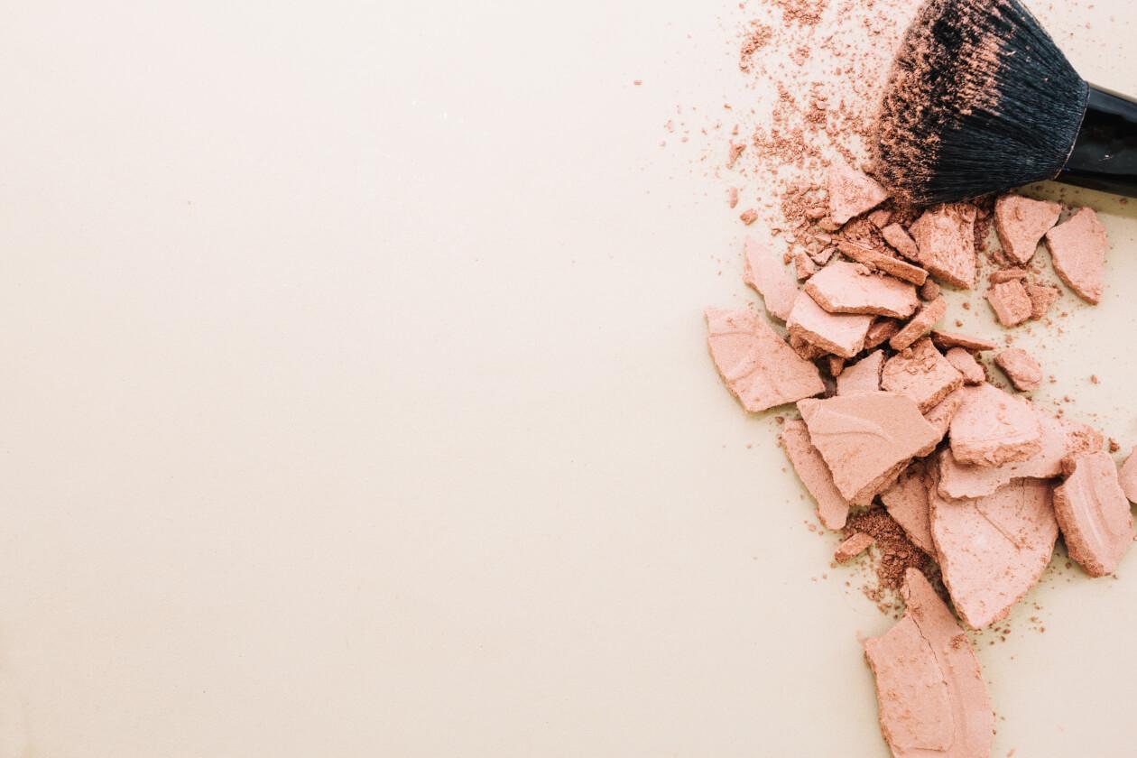 プチプラ! 20代女子におすすめ【藤田ニコル愛用】キャンメイク マシュマロフィニッシュパウダー