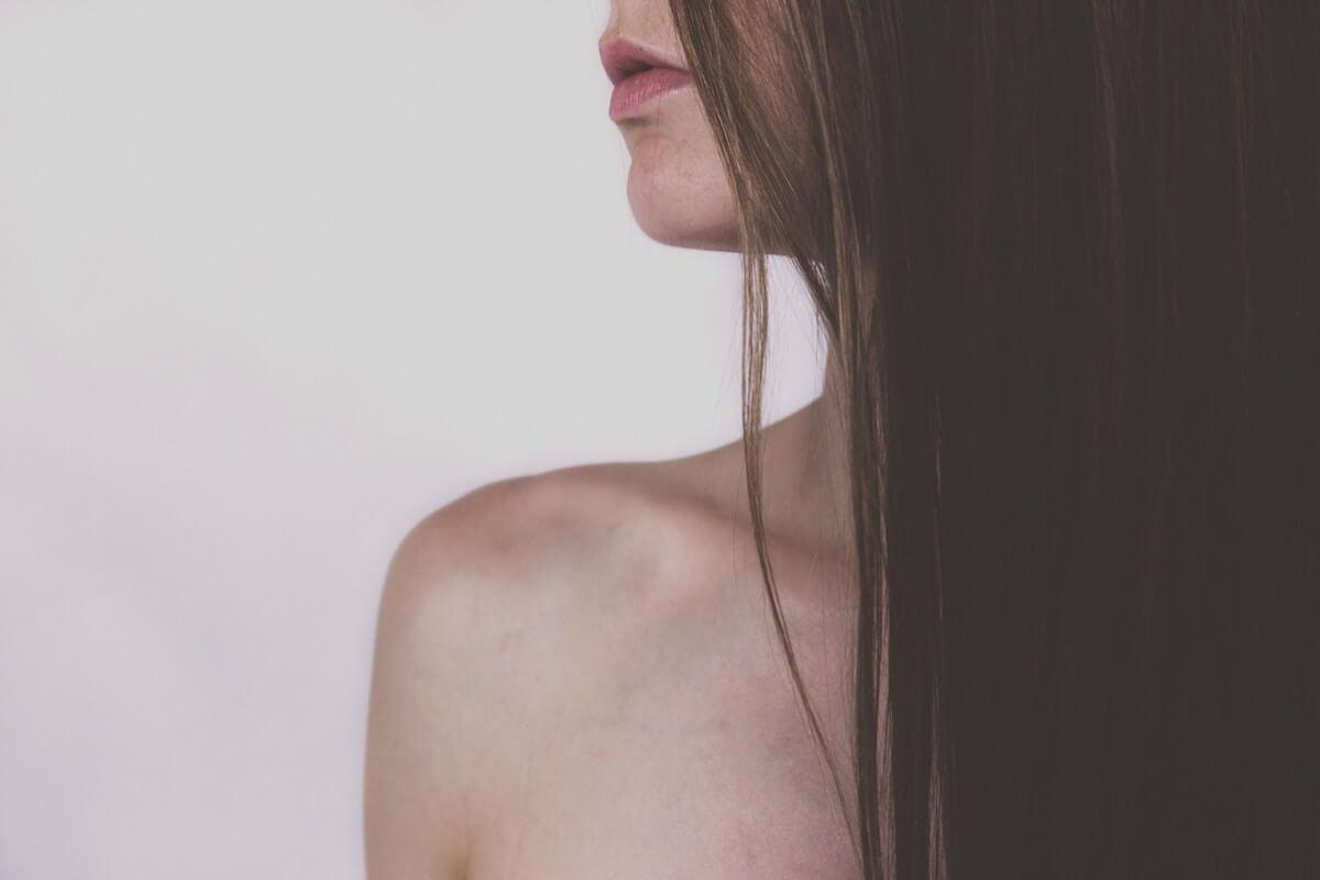 サロニア ダブルイオン ストレートアイロンの使い方【モデルの紗栄子・山田優の口コミ】も掲載中!