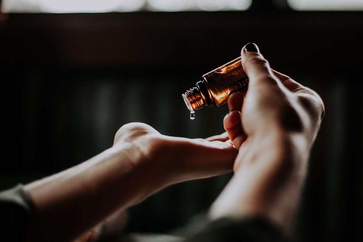 藤田ニコルさん「化粧水は手でつける派」ライスフォース・SK2・ハトムギ化粧水をご愛用